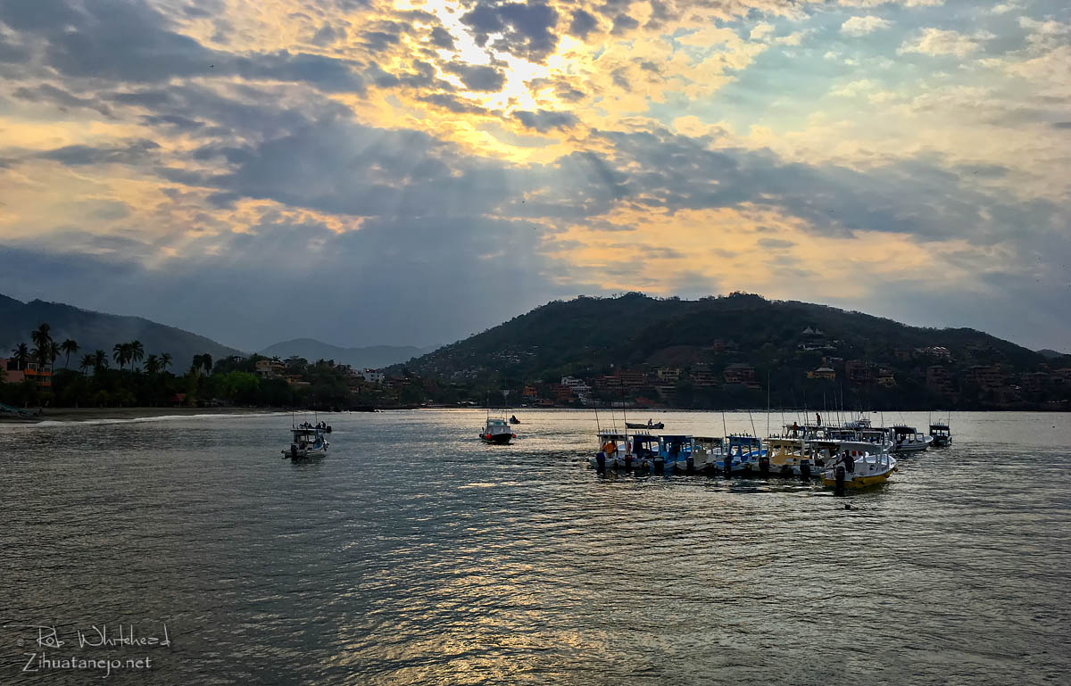 Water taxis, Zihuatanejo